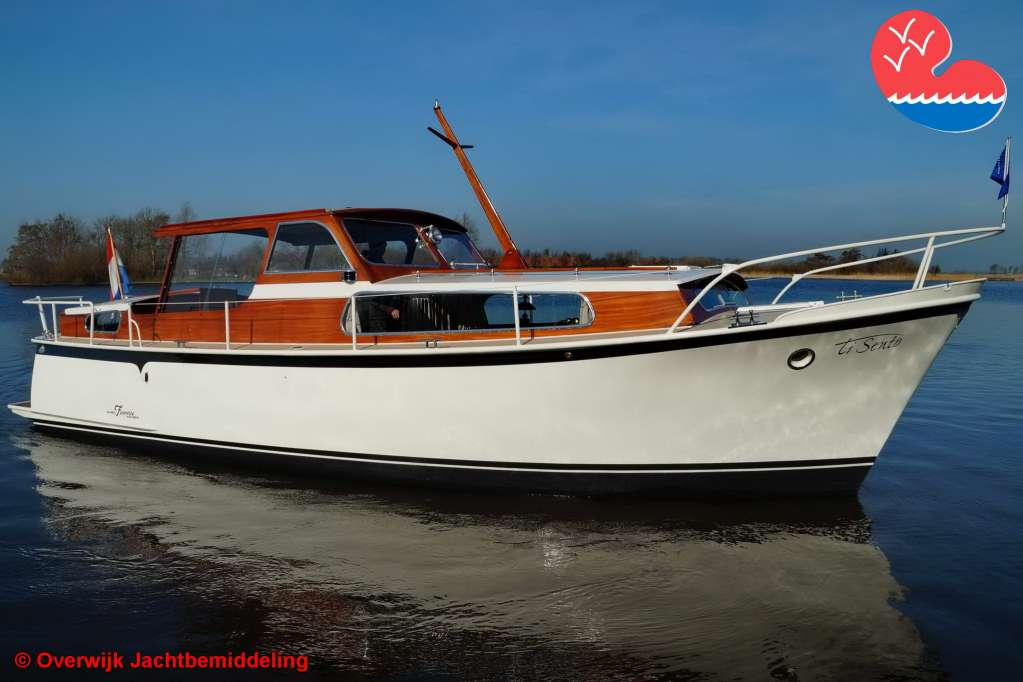 Motorjacht, Super Favorite 940, in bemiddeling bij Overwijk Jachtbemiddeling