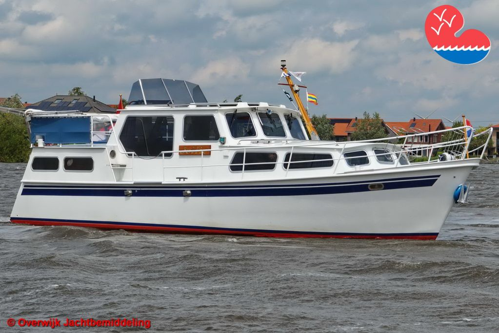 Motorjacht,Fidego 1000 AK, in bemiddeling bijOverwijk Jachtbemiddeling