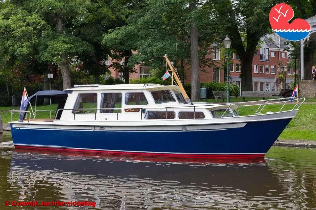 Motorjacht,Pikmeer 1050 OK, in bemiddeling bijOverwijk Jachtbemiddeling