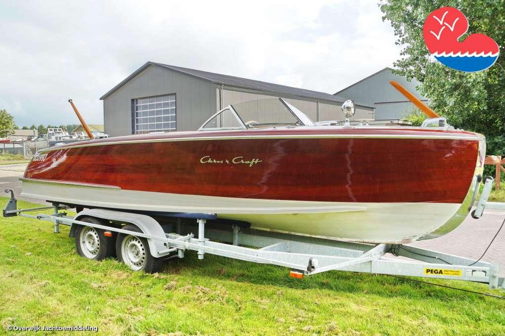 Klassiek/traditioneel motorjacht,Chris Craft 20' Custom Runabout, in bemiddeling bijOverwijk Jachtbemiddeling