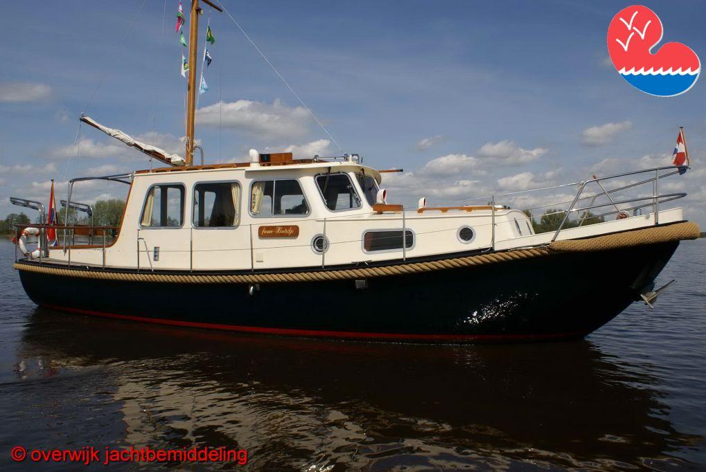 Motorjacht, Valkvlet 1060 GS OK, in bemiddeling bij Overwijk Jachtbemiddeling