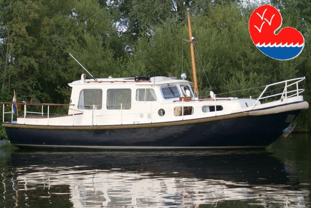 Motorjacht,Valkvlet 970 GS OK, in bemiddeling bijOverwijk Jachtbemiddeling