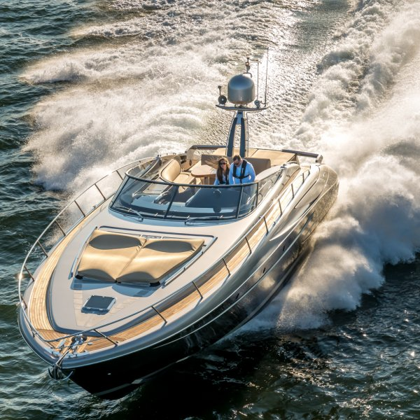 Riva Rivale 52, Motorjacht for sale by JONKERS YACHTS B.V.