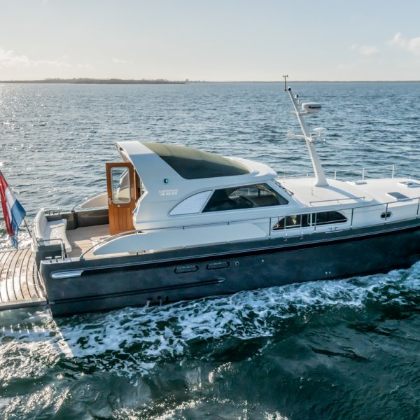 Linssen Range Cruiser 450 Sedan Variotop, Motoryacht for sale by JONKERS YACHTS B.V.
