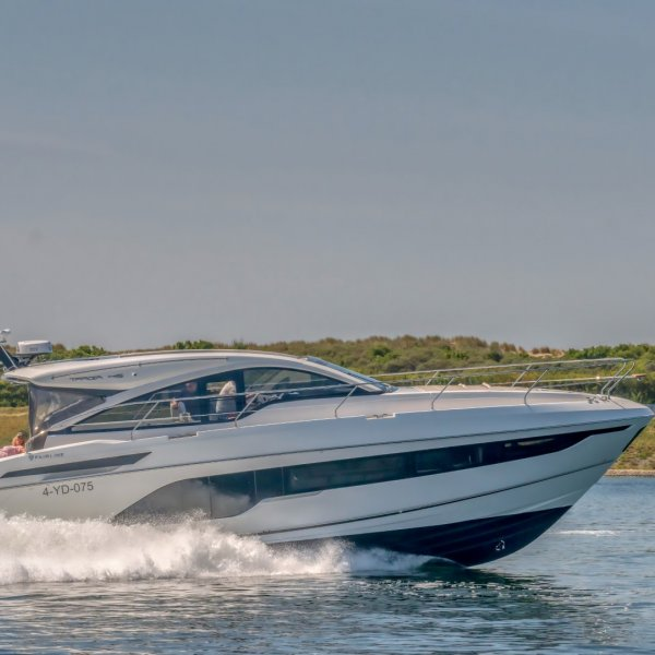 "Fairline Targa 45 Open ""MODEL 2020"", Motoryacht for sale by JONKERS YACHTS B.V."