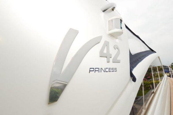 Princess V42
