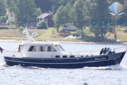 Sturier 400 OC, Motoryacht  for sale by Dolman Yachting