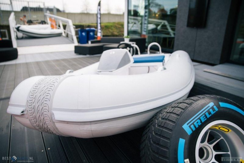 PIRELLI Speedboats S Line S31 Full Option (scooter), Speed- en sportboten  for sale by BestBoats International Yachtbrokers
