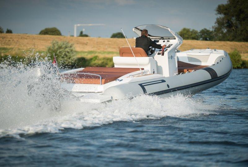 PIRELLI Speedboats 880 L Edition Military Grey, Speed- en sportboten