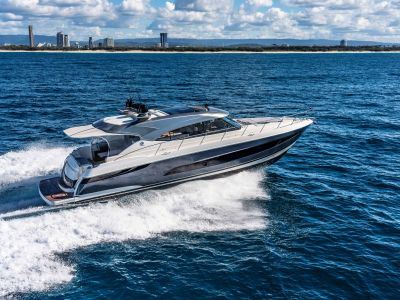 Riviera 5400 Sport Yacht Platinum Edition, Motorjacht  for sale by BestBoats International Yachtbrokers