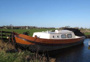 Tjalk 1350 - 360205 Dutch Barge, Ex-professionele motorboot Tjalk 1350 - 360205 Dutch Barge te koop bij Loyal Yachts