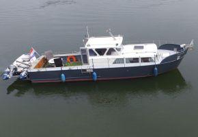 Motorboot 1105-OK 370801 Canal Barge - River Barge, Ex-professionele motorboot Motorboot 1105-OK 370801 Canal Barge - River Barge te koop bij Loyal Yachts