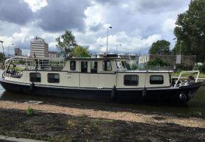Beurtvaartschip - 380904 Dutch Barge - Peniche, Ex-commercial motor boat Beurtvaartschip - 380904 Dutch Barge - Peniche te koop bij Loyal Yachts