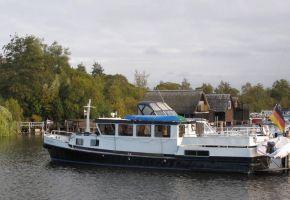 Voormalig Patrouilleschip - 381001 Canal Barge, Ex-professionele motorboot Voormalig Patrouilleschip - 381001 Canal Barge te koop bij Loyal Yachts