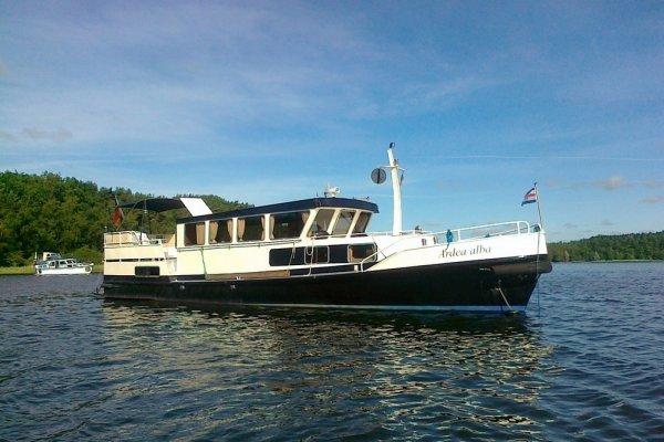 Voormalig Patrouilleschip - 381001 Canal Barge