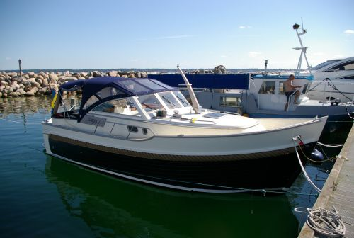 Menken - Newport Bass Softtop, Motorjacht  for sale by Sloep.nl - Menken Maritiem BV