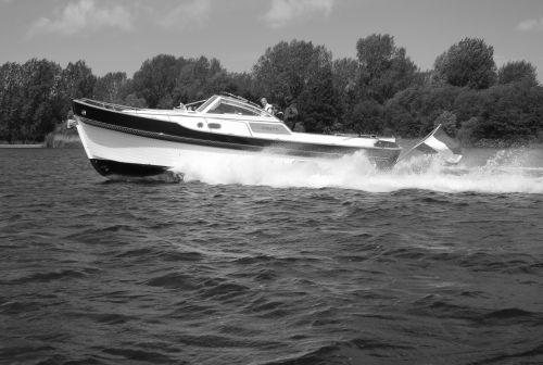 Menken - Newport Bass XL Softtop, Motorjacht  for sale by Sloep.nl - Menken Maritiem BV