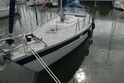 Hallberg Rassy 352, Segelyacht  for sale by eSailing
