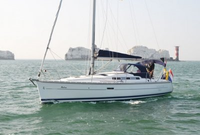 Beneteau Oceanis 323 Clipper Centreboard, Zeiljacht  for sale by eSailing