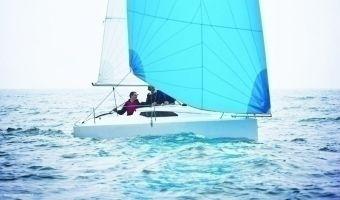 Barca a vela aperta Fareast 18 in vendita