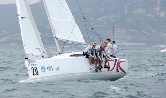 Barca a vela Fareast 26 in vendita
