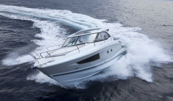 Моторная яхта Jeanneau Leader 36 для продажи