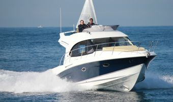 Моторная яхта Beneteau Antares 32 для продажи