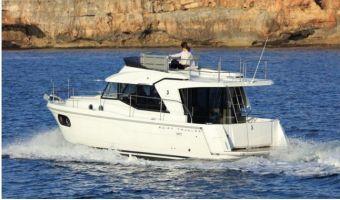 Моторная яхта Beneteau Swift Trawler 30 для продажи