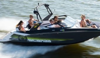 Speed- en sportboten Scarab 215 Wake Edition Jetboot de vânzare