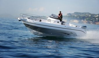 Barca sportiva Ranieri Open Line Voyager 26 S in vendita