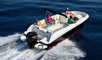 Barca sportiva Bayliner Element E7 in vendita