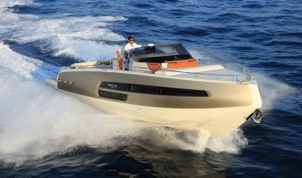 Motor Yacht Invictus 370 Gt for sale