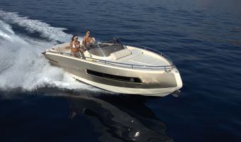 Motor Yacht Invictus 280 Gt for sale