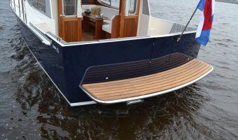 Моторная яхта Luna 40 для продажи