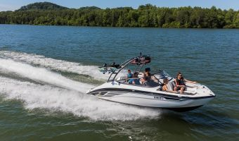 Speedboat and sport cruiser Yamaha Jetboot Ar210 for sale