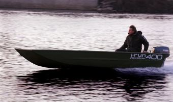Hastighetsbåt och sportkryssare  Tuna J-run 400 till försäljning