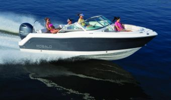 Speedboat and sport cruiser Robalo Dual Console R227 for sale