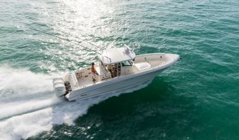 Speed- en sportboten Boston Whaler 350 Outrage eladó