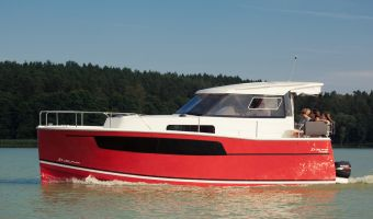 Motor Yacht Delphia Escape 800s for sale