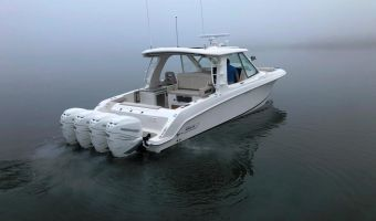 Speed- en sportboten Boston Whaler 380 Realm eladó