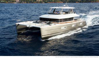 Flerskrov motorbåt  Lagoon 630 My till försäljning