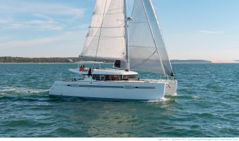Многокорпусовый парусник Lagoon 450 S для продажи