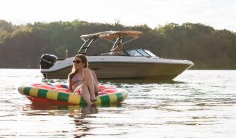 Speed- en sportboten Sea Ray Spx 230 Outboard eladó