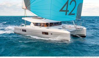 Multihull sailing boat Lagoon 42 for sale