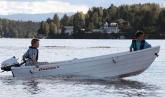 Offene Motorboot und Ruderboot Pioner 13 zu verkaufen