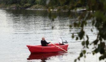 Offene Motorboot und Ruderboot Pioner 12 zu verkaufen