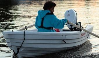 Offene Motorboot und Ruderboot Pioner 10 zu verkaufen