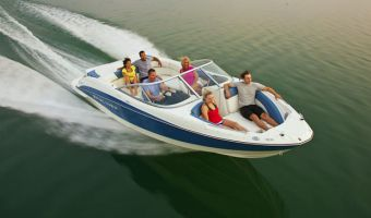 Быстроходный катер и спорт-крейсер Bayliner 235 Bowrider для продажи
