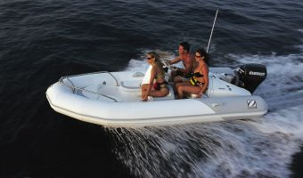 RIB en opblaasboot Zodiac Yachtline Deluxe 420 eladó