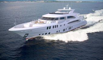 Моторная яхта супер-класса Majesty Yachts Majesty 155 для продажи